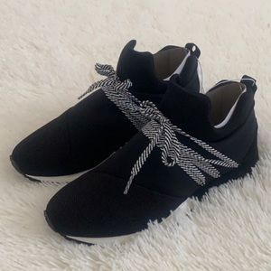 Womens Raquel Slip On Sneakers In Black